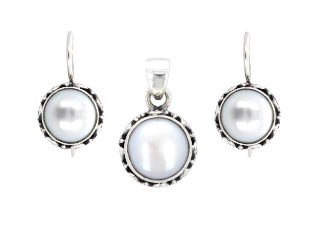 Stříbrná souprava (Ag925) přívěšek a náušnice s bílou říční perlou