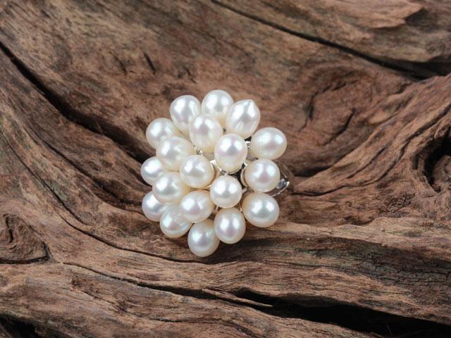 Prsten bílá říční perla ve tvaru květu