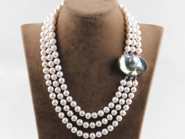 Trojpramenný náhrdelník bílé říční perly s velkou sponou