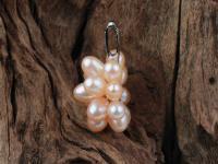 Přívěsek růžové říční perly ve tvaru květu