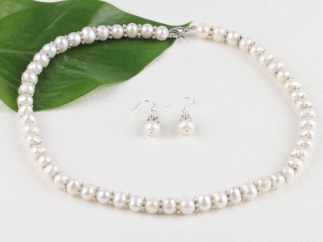 Souprava náhrdelník a náušnice bílé říční perly 8-9 mm