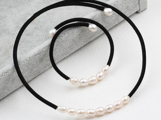 Souprava náhrdelník a náramek bílé říční perly