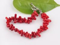 Náramek sekaný červený korál