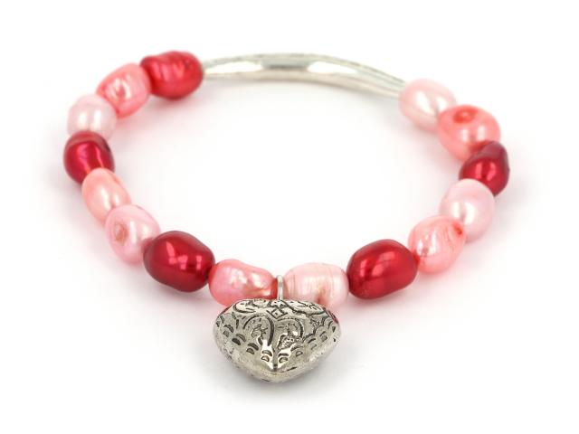 Náramek bílé, růžové a červené říční perly s přívěskem srdíčko