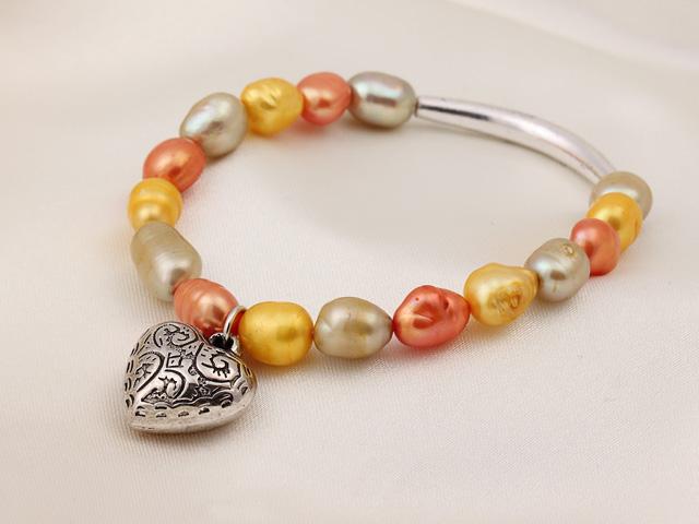 Náramek žluté, oranžové a šedé říční perly s přívěskem srdíčko