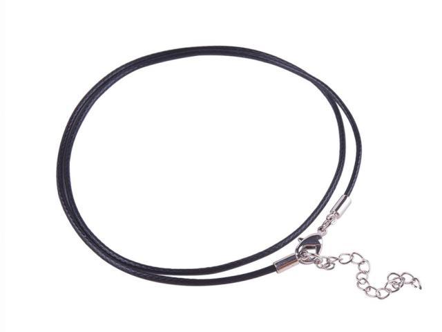 Černá bavlněná voskovaná šňůrka s karabinou 46cm
