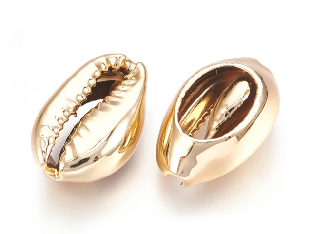Kovový korálek - mušle Kauri - světlo zlatý